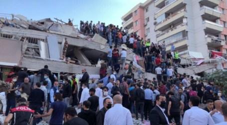 Earthquake Hits Coastal Turkey and Greece, Killing 14 Citizens