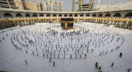As 224 Indonesian Pilgrims Began to Perform Umrah