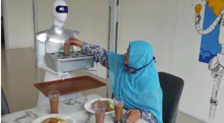 Indonesian Muslim Students Develop Cafe Waiter Robot