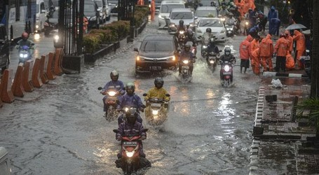 As 1,380 People Fled Due to Flooding in Jakarta