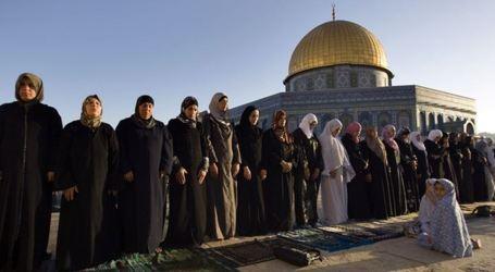 """Sheikh Sabri Calls for Congregation to Commemorate """"Isra and Mi'raj"""" at Al-Aqsa Mosque"""