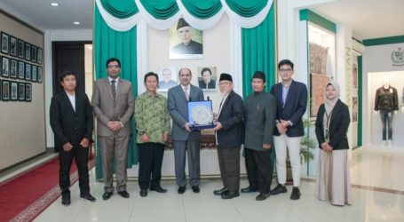 Solidifying Indonesia-Pakistan Relationship (By: Imaam Yakhsyallah Mansur)