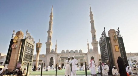 Children Not Allowed in Saudi Arabia's Prophet's Mosque During Ramadan