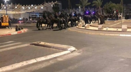 Israeli Forces Attack Palestinian Worshipers at Al-Aqsa Mosque