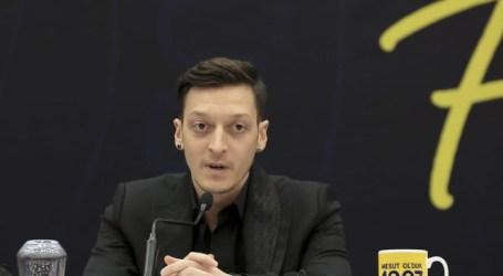 Fenerbahce's Ozil Sends Eid Message to Palestinians