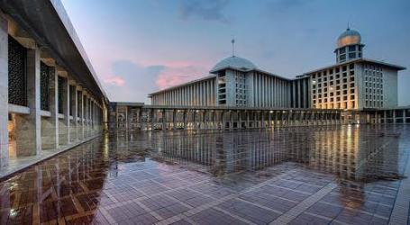 Istiqlal Mosque In Indonesia