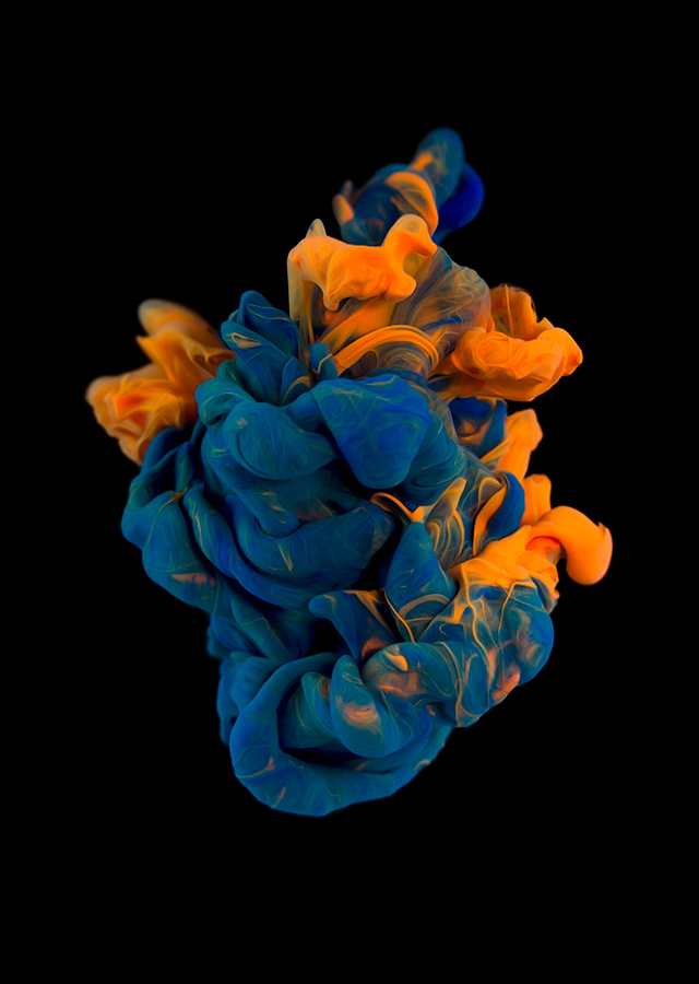ink dropped into water on a black background by alberto seveso (9)