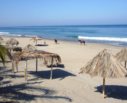 Máncora – surf and bathing paradise all year round