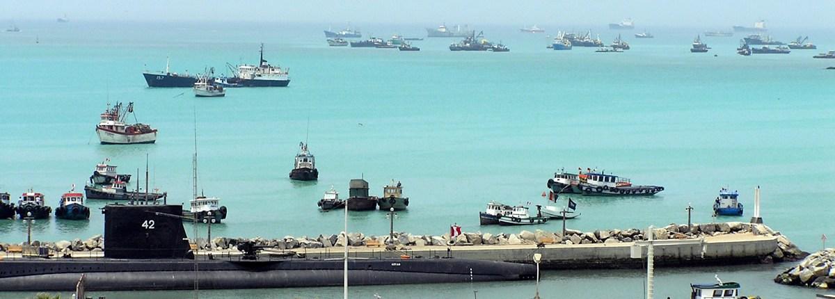 Barcos del puerto de callao