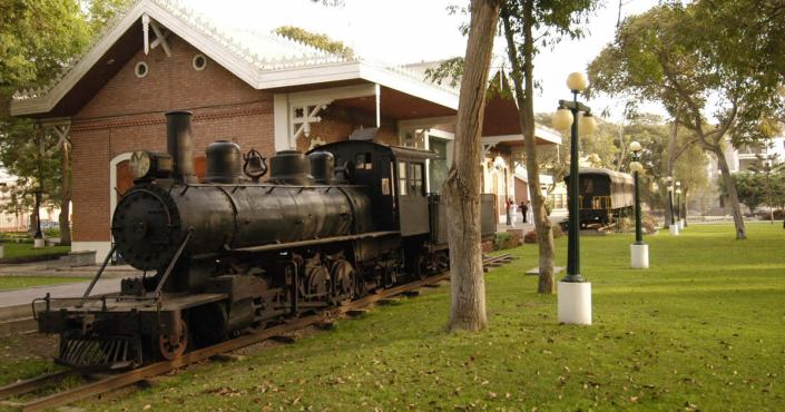 The Parque Reducto No 2 in Miraflores – History and Recreation