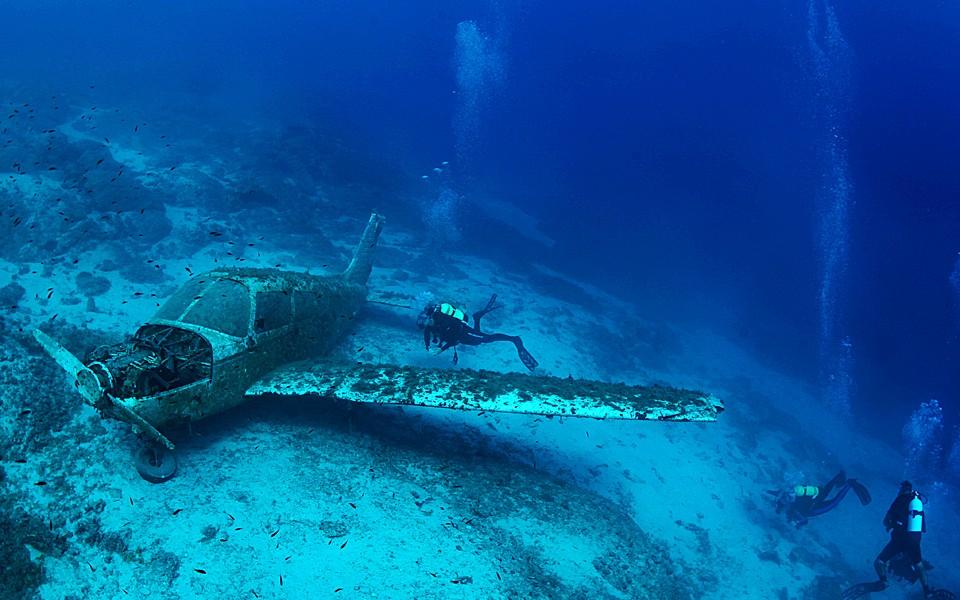 Treasure Boats Underwater