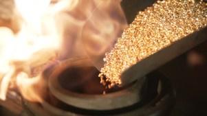 melting of gold granulate