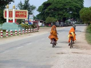 Entrance_Tachileik_Myanmar
