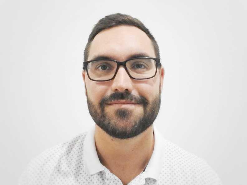 Alexandre Gulyas, Include employee