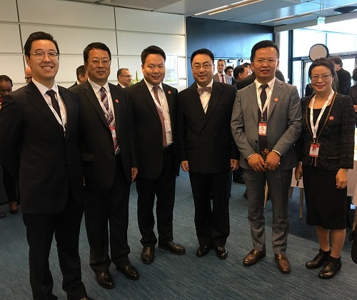 Ambassador Wang Qun (Fourth from Left) and CEO Caesara Niu (First from Right)