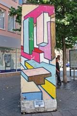 "<h5>Thanks Oriol Salvador</h5><p>© by <a href=""https://www.flickr.com/photos/boarderland/7529144990/in/photolist-ctjQuE-iCjvTU"" target=""_blank"">Oriol Salvador</a>.Licensed under <a title=""CC 2.0"" href=""https://creativecommons.org/licenses/by-nc-nd/2.0/"" target=""_blank"">CC BY-NC-ND 2.0</a></p>"
