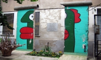 "<h5>Rosenthaler Straße</h5><p>Rosenthaler Straße © <a href=""http://galerie-noir.de"" target=""_blank"">Thierry Noir</a> <br>photo taken in unknown                                                                                                                                                                                                                                                                                                                                                                                                                                                                                                                              </p>"