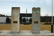 "<h5>The Berlin Wall in Spartanburg, South Carolina</h5><p>Details, Copyright:  <a href=""http://en.the-wall-net.org/?p=194"">Spartanburg, SC</a> / more <a href=""http://en.the-wall-net.org/category/the-berlin-wall/us/"" >sites in the USA</a></p>"