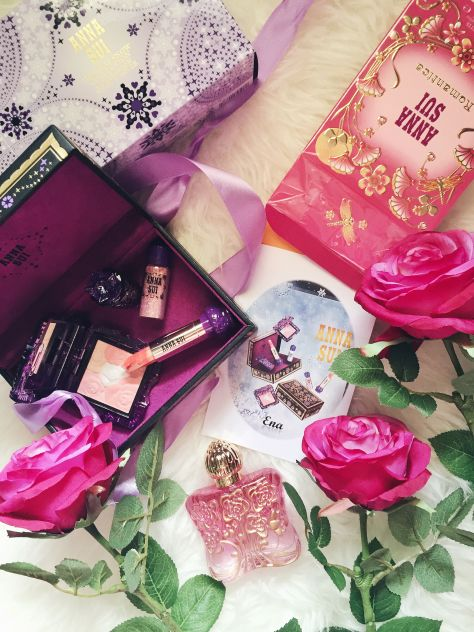 Anna Sui Holiday Snow Thaw Heart & Romantica Perfume Review