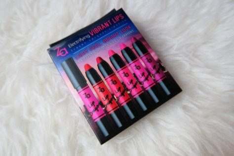 Za Lip Crayon ZA Vibrant Moist Lip Lacquers Review Enabalista_0000