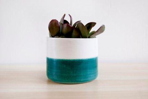 Maceta de cerámica bicolor