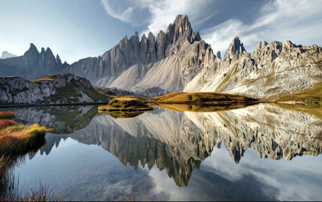 15 Breathtaking Photos of Lakes With Reflections 4