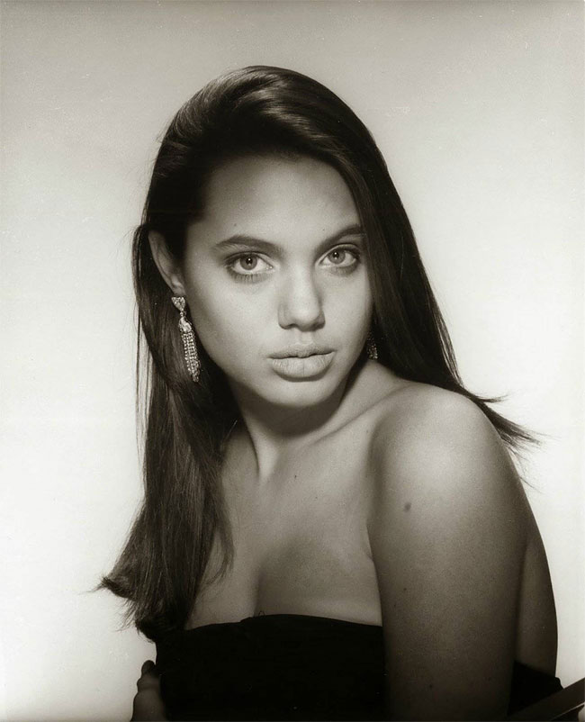 15 Year Old Angelina Jolie During Here Earliest Photo Shoots