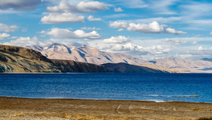 10 Magnificent Lakes in the Heart of the Himalayas 2