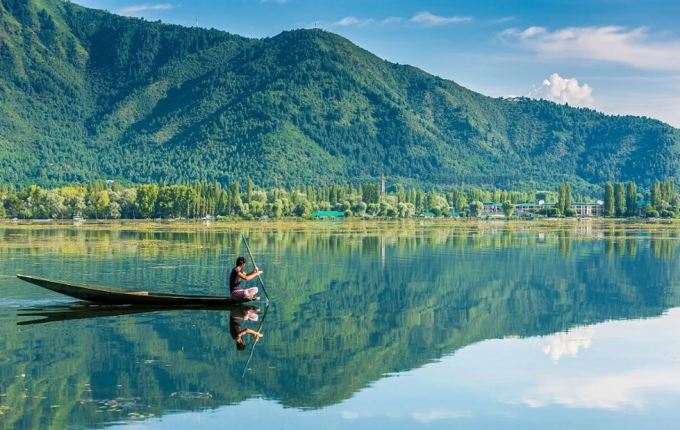 10 Most Beautiful Lakes in India You Should Visit 13