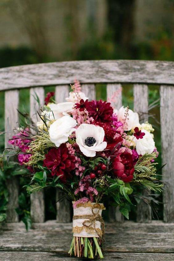 ramo de novia color marsala