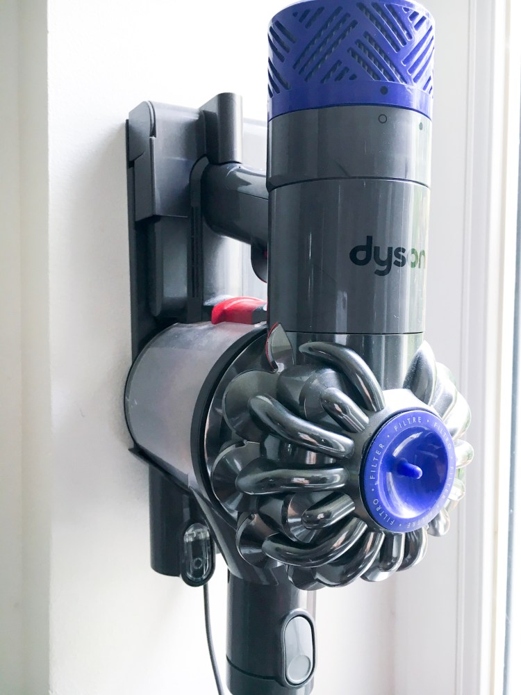 support aspirateur Dyson V6 Motorhead rose avis test