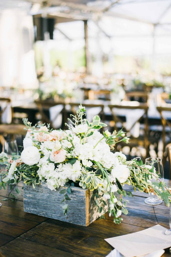 shawn-johnson-wedding-florals-enchanted-florist-tn-outdoor-elegant-flowers-11