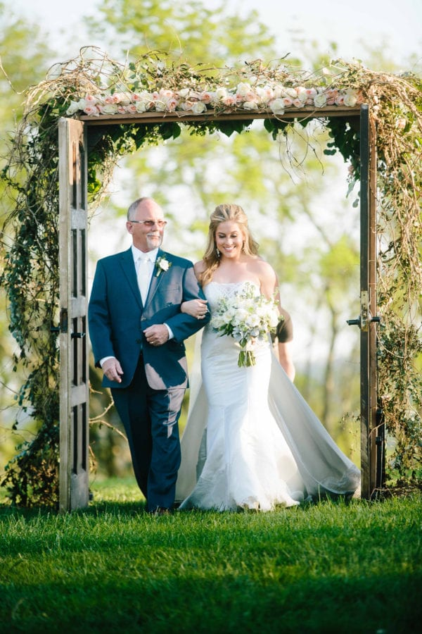 shawn-johnson-wedding-florals-enchanted-florist-tn-outdoor-elegant-flowers-18