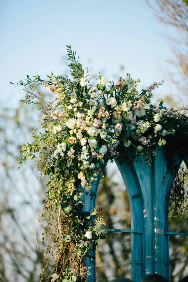 shawn-johnson-wedding-florals-enchanted-florist-tn-outdoor-elegant-flowers-19