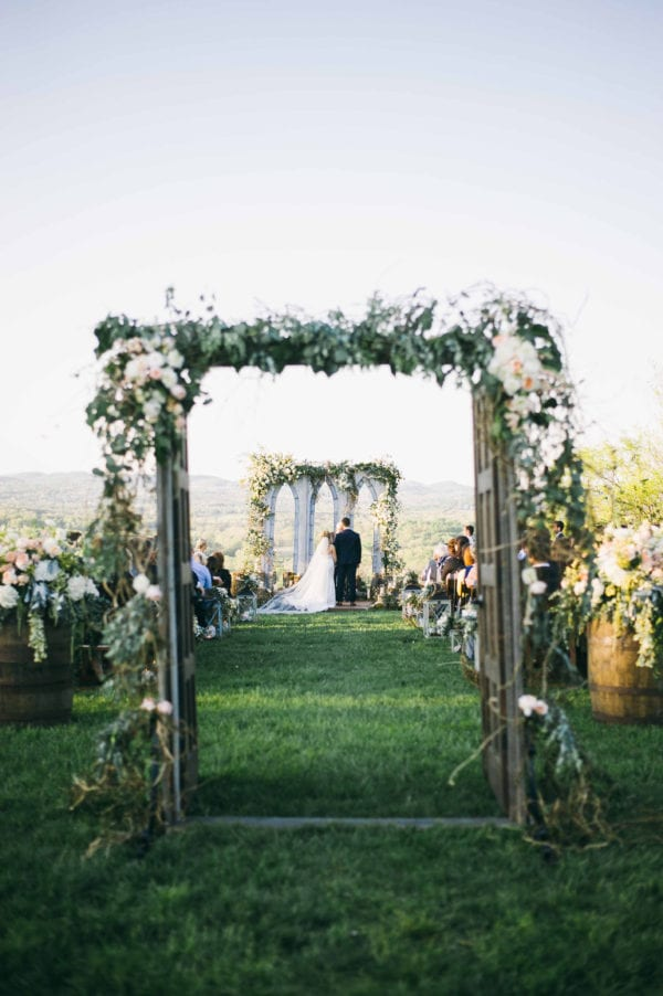 shawn-johnson-wedding-florals-enchanted-florist-tn-outdoor-elegant-flowers-21