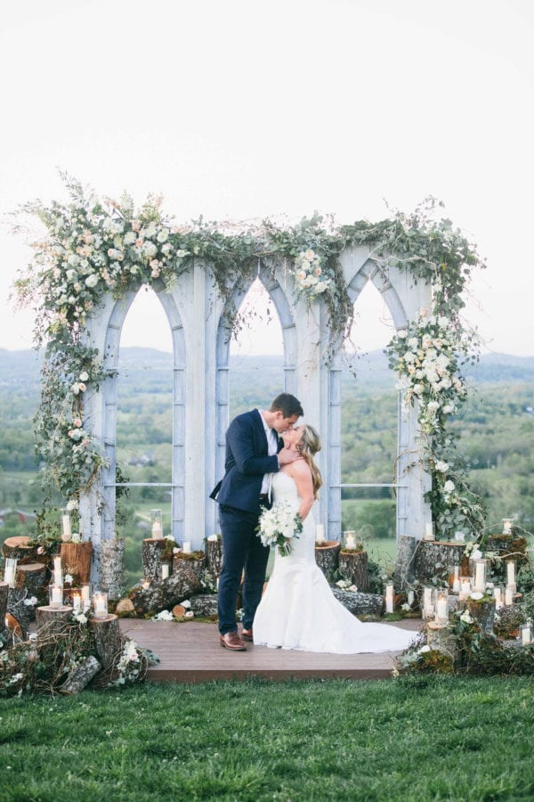 shawn-johnson-wedding-florals-enchanted-florist-tn-outdoor-elegant-flowers-23