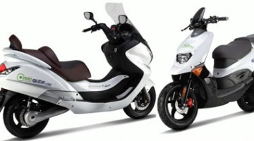 Hyosung Gem 2.0 y Gem 4.0, scooters eléctricos mostrados en EICMA Milán