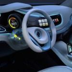 Imagen del interior del Renault Fluence ze concept, volante y mandos