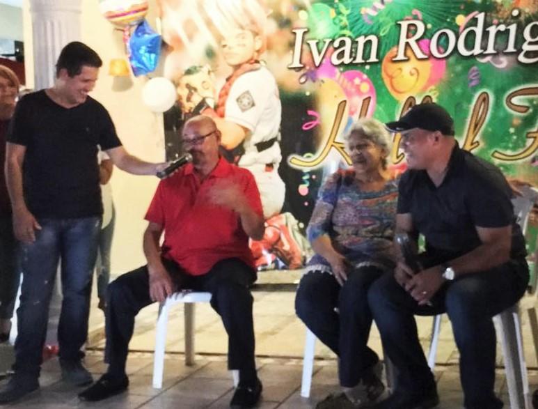 carlos-narvaez-con-ivan-rodriguez3