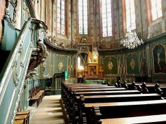 The choir was built in the 13th century, but redecorated in the Baroque style in the 18th.