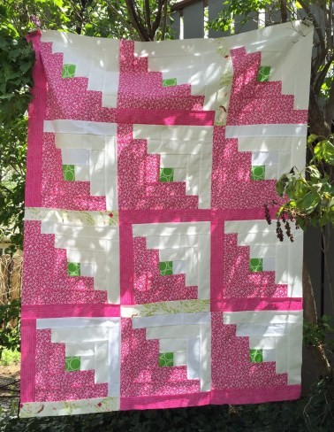 2016-05-pinkquilttop