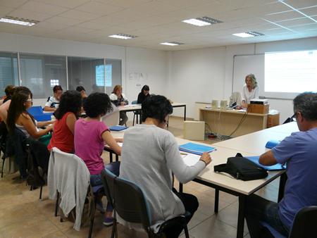 """Foto de arquivo do curso """"Atención especializada para enfermos de Alzheimer"""", celebrado en Monforte no marco do I Pacto polo Emprego. Arquivo EC."""