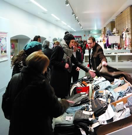 O Mercado de Oportunidades celebrado en Monforte a mediados de febreiro foi aproveitado por moitos visitantes para adquirir produtos a bo prezo nunha ampla variedade. EC.
