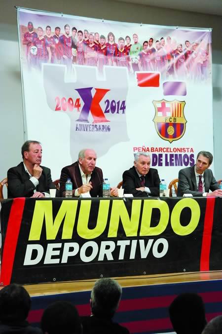 Logo da recepción no Concello de Monforte, os ex xogadores do FCBarcelona participaron nunha charla-coloquio sobre barcelonismo e historia, na Casa da Cultura de Monforte. EC