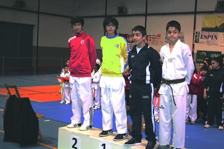 Samuel López Timiraos, do club Neka, foi primeiro no podio da categoría cadete. (Foto cedida).