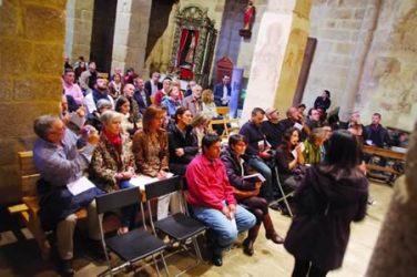 Un momento da sesión musical que o programa Espazos Sonoros 2014 ofreceu na igrexa de San Vicente de Pombeiro, o pasado 11 de outubro.  GPDTL.