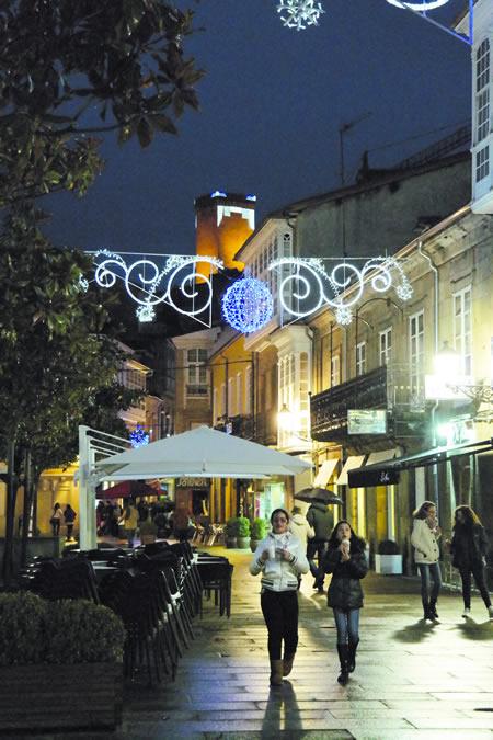 As rúas do sur de Lugo están preparadas para celebrar o Nadal. EC