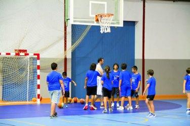 Un momento do Campus de Baloncesto Cidade de Monforte, unha das actividades que integran o Programa Deportivo do Verán en Monforte. (Arquivo EC).