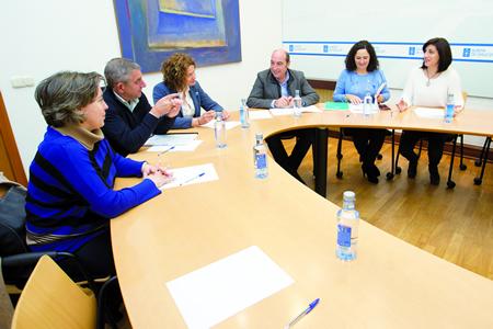Reunión en Santiago da conselleira de Medio Rural, Ángeles Vázquez, cos representantes das cinco Denominacións de Orixe vitivinícolas, o 17 de novembro. (Foto: Ana Varela).