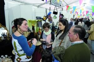 En paralelo á Feira do Viño de Chantada, a Asociación de Empresarios contribúe á dinamización coa Feira de Oportunidades, Produtos e Artesanía. (Arquivo EC).